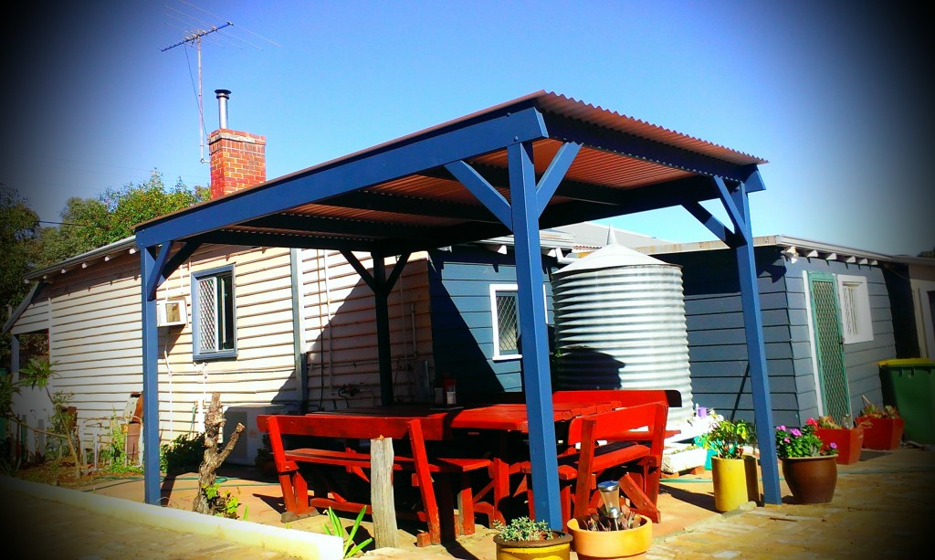 sloping flat roof patio