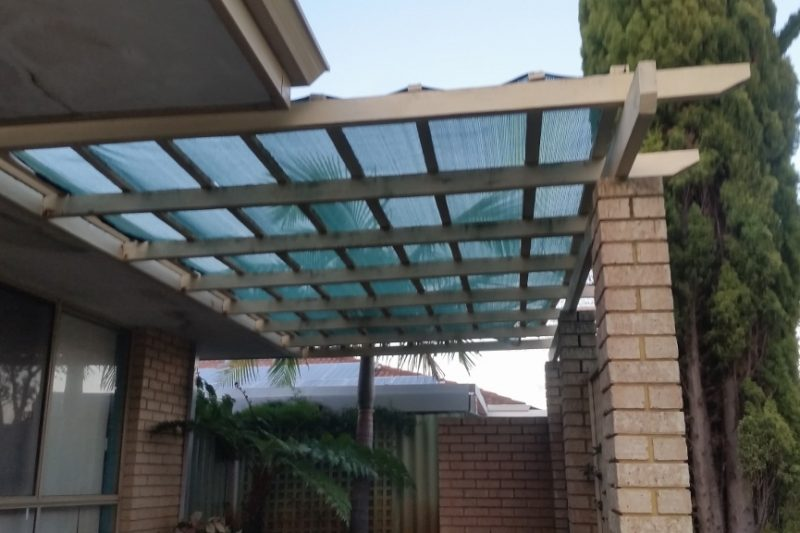 Damaged shadecloth pergola repair before